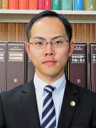 弁護士大坪孝聡写真